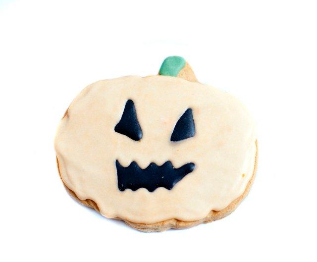 Creepy Photo Index » Food » jack_o_lantern_cookie.jpg