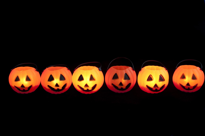 Image Of Line Of Halloween Jack O Lanterns Creepyhalloweenimages